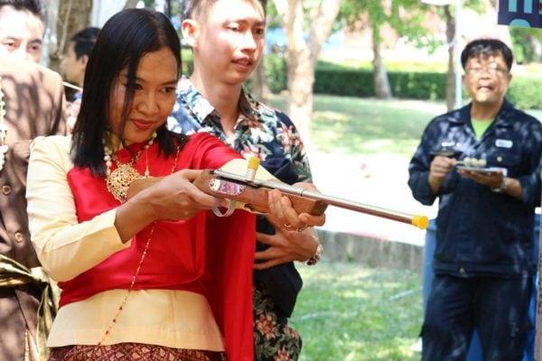 ปืนยาว ยิงตุ๊กตาหล่น 2